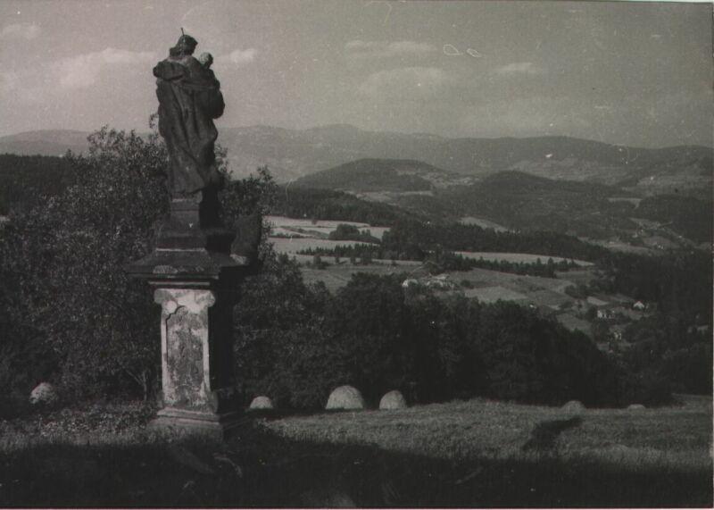 Sklenařické údolí hlídané svatým Josefem, rok 1971