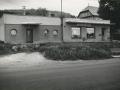 Prodejna smíšeného zboží, dnes již palírna alkoholu, v roce 1977
