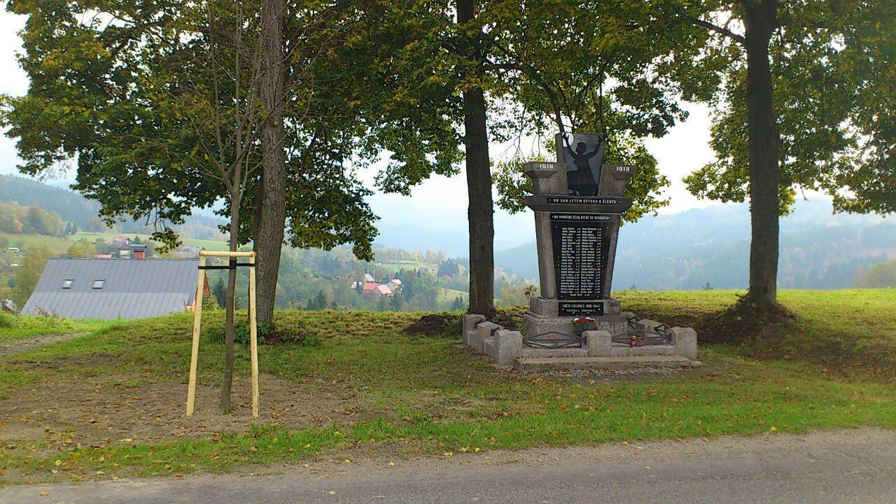 pomnik14100504
